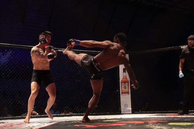 MMA kick in CageZilla